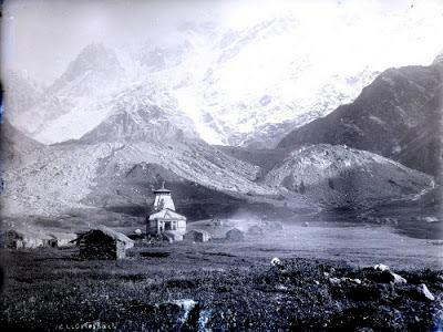 ১৩০ বছর আগের কেদারনাথ ধাম। ছবিটি ফেসবুকে পাওয়া।