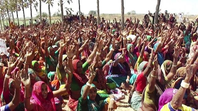 মিঠি ভিরদির পরমাণু কেন্দ্রের বিরুদ্ধে মহিলাদের প্রতিবাদ গুজরাটে। ছবিসূত্র আইপিএস।
