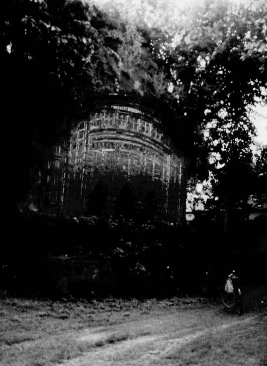 মন্দিরের ছবি প্রতিবেদকের তোলা