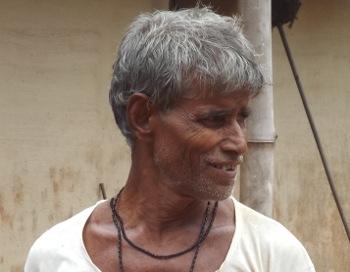 মাস্টারডাঙার জ্ঞানেন্দ্র বারুই। ছবি শমীক সরকারের তোলা।